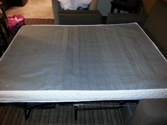 Holiday Inn Express Hotel & Suites Dallas West: Mattress was upside down for a reason
