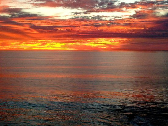 The Point Vicente Interpretive Center: Sunset from Point Vincente