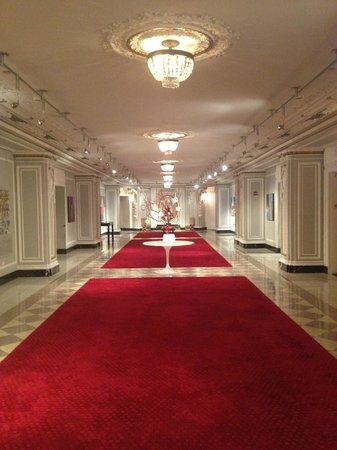 Renaissance Blackstone Chicago Hotel: Art Hall