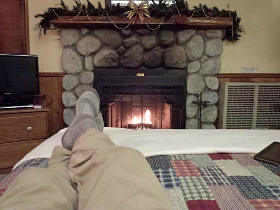 Idyllwild, Kalifornia: Toasty fire