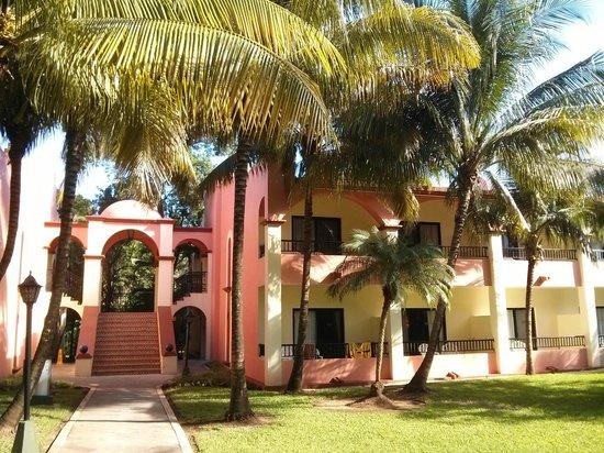 ClubHotel Riu Tequila: Bâtiment de deux étages pour les chambres