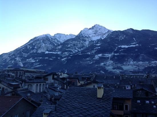 HB Aosta Hotel: vista dalla finestra della camera