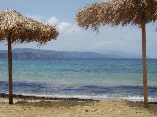 Sunset Hotel & Apartments: Mandraki Beach
