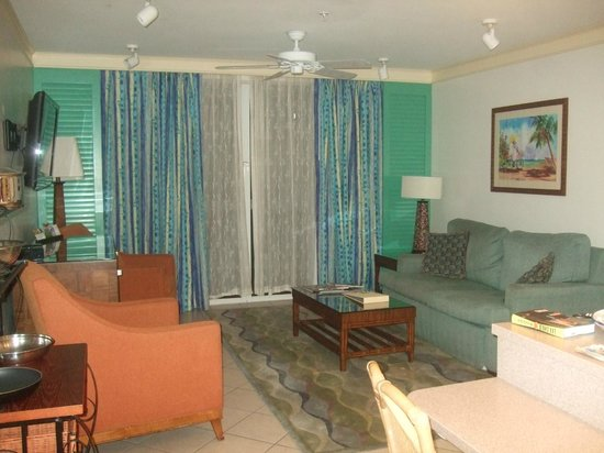 Hyatt Sunset Harbor Resort: Living room that opens to patio