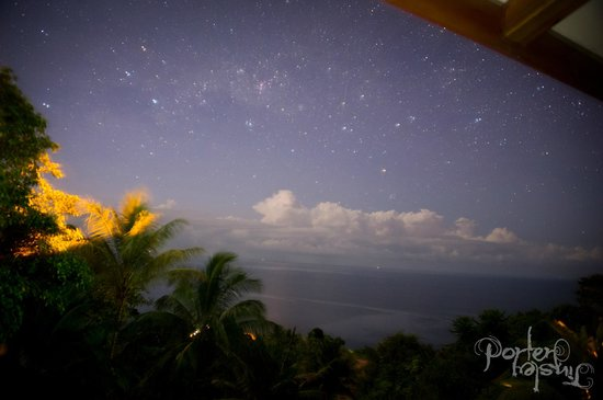 Villas Alturas: View from balcony (at night)