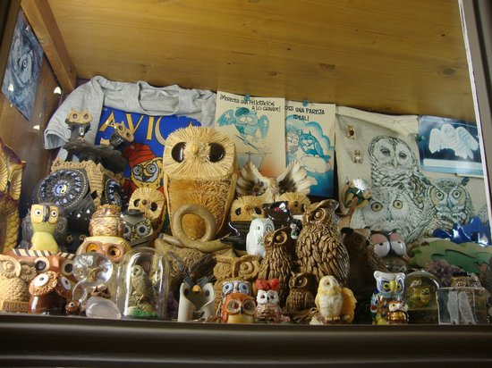 Hotel Balneario Broquetas : gran colección de buhos