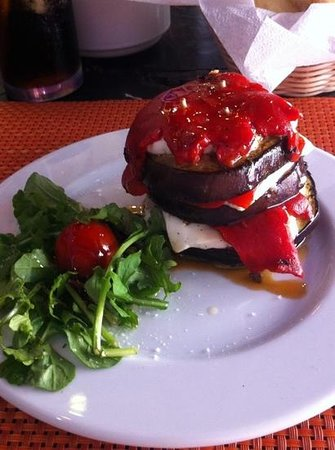 10 B Surf Bar & Restaurant : The famous 10 B grilled aubergine with fresh cheese and red pepper