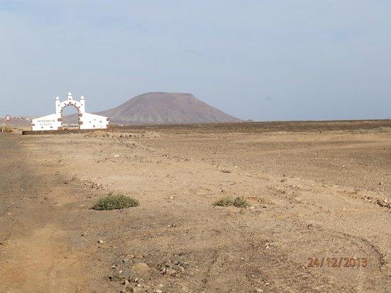Cross Island: 1 île aride