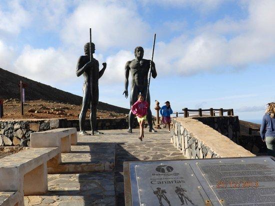 Cross Island: les gardiens de l'île