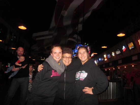 Toby Keith's I Love This Bar & Grill : friends