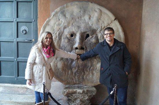 Bocca della Verita : Julie and Josh did it!