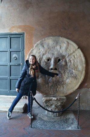 Bocca della Verita : Michaela did it!