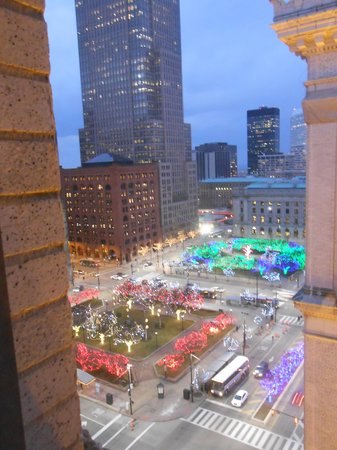 Renaissance Cleveland Hotel: view from suite