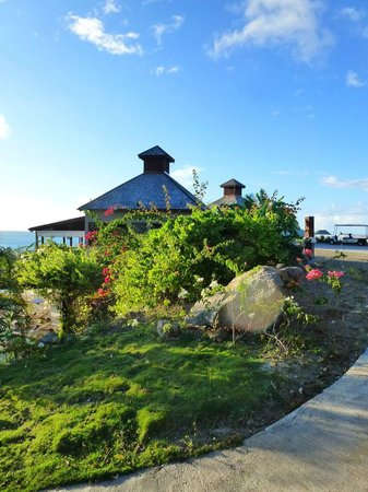 Carmichael's : The restaurant is located approximately 100 m above the Sugar Ridge Resort.