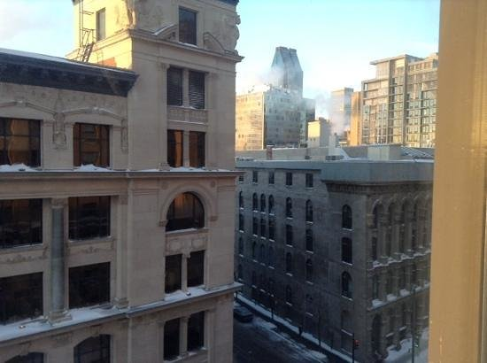 Hôtel St-Paul : the city view in the morning(6th floor)