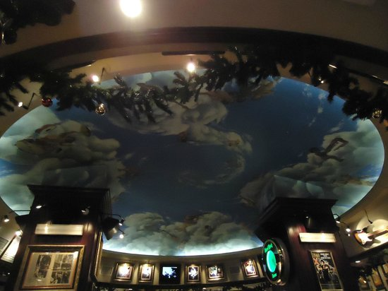 Hard Rock Cafe Rome : Ceiling inside of Hard Rock