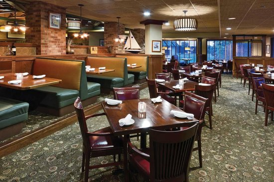 Arrowwood Resort and Conference Center: Minervas Restaurant