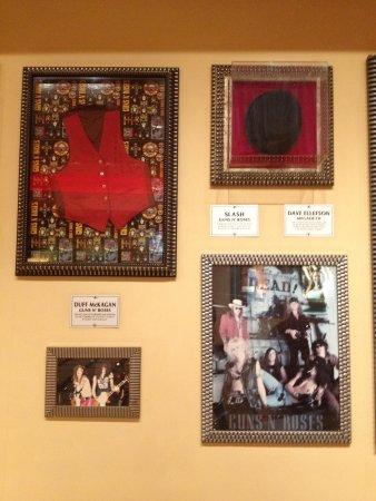 Seminole Hard Rock Hollywood Casino : Objetos autografados do Guns n Roses