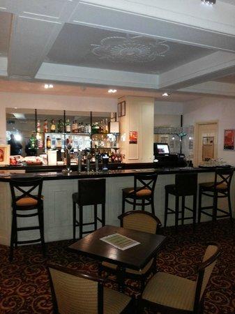 BEST WESTERN Linton Lodge Hotel: bar