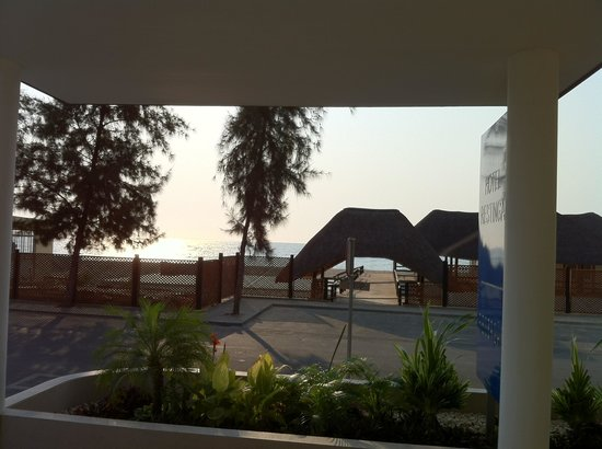Hotel Restinga : Vista para o mar da recepção