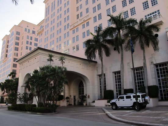 Hyatt Regency Coral Gables : Hotel Portico