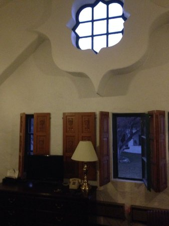 The Hacienda: Tower room, high ceilings and very spacious