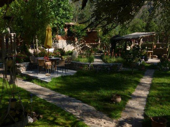 La Capilla Lodge: Part of the gardens