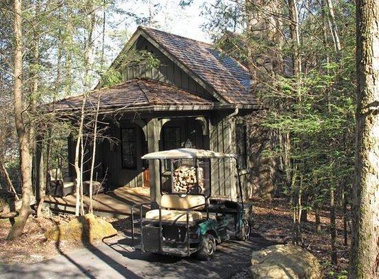 Blackberry Farm: Singing Brook Cottage Exterior