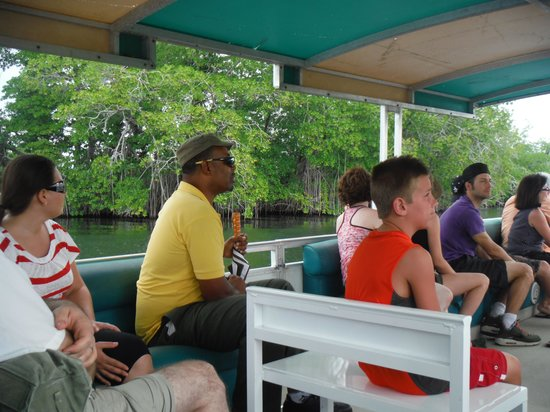 PPP Tran Tours Jamaica: Mr. Pugh with us on Black River Safari (in yellow shirt)