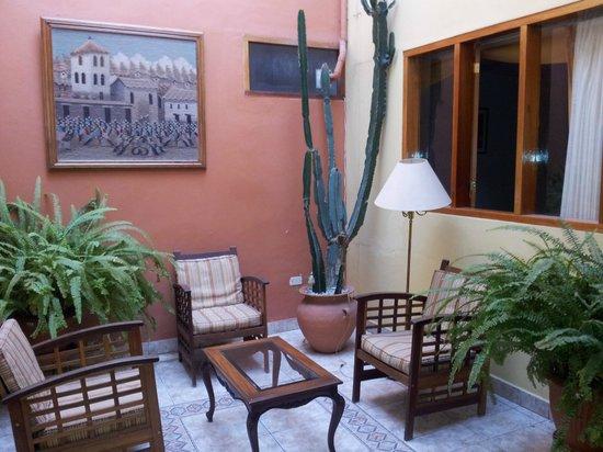 Emperador Plaza Hotel: area comum