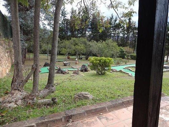 Hospederia Duruelo: Campo de mini-golfe