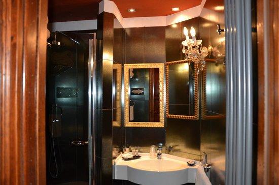 Boutique Hotel Campo de Fiori: Bathroom of Hotel Campo De' Fiori