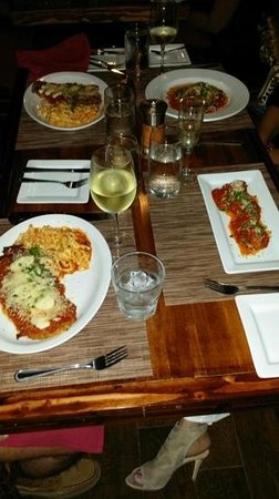 Pueo's Osteria: the food served looked amazing and tasted even better...