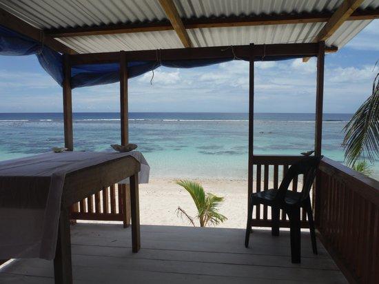 Manusina Beach Fales: Taken from where you sleep!