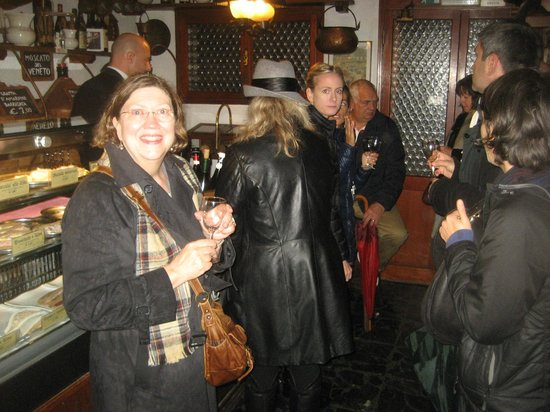 Venice Urban Adventures : ONE OF THE WINE BARS ON OUR VENICE TOUR