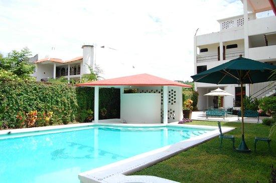 Hotel Balcon Gueela: Alberca con Fuente de Sodas