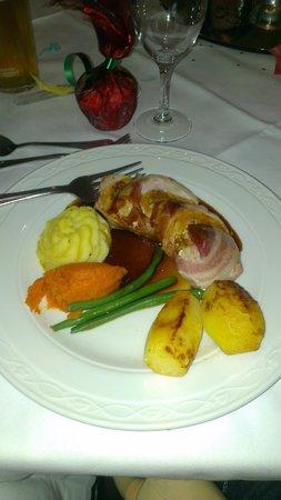 Mercure Blackburn Dunkenhalgh Hotel & Spa: christmas dinner looks abit small