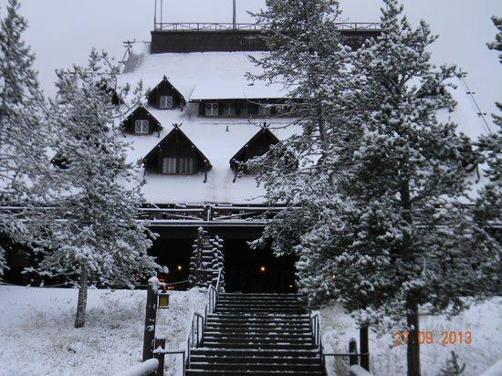 Old Faithful Inn: Surprise snowfall in September 2013