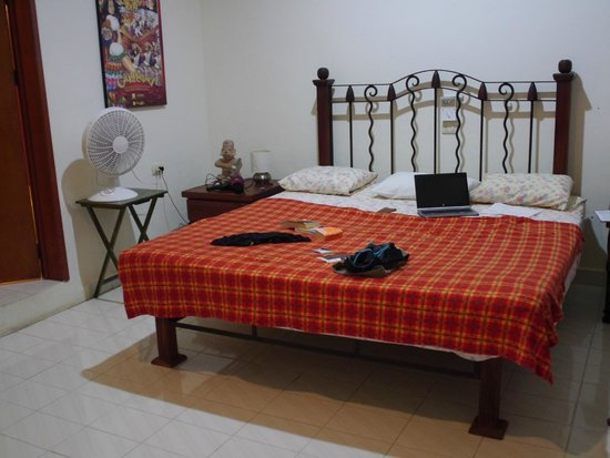 Beachouse Dive Hostel Cozumel: Our bed