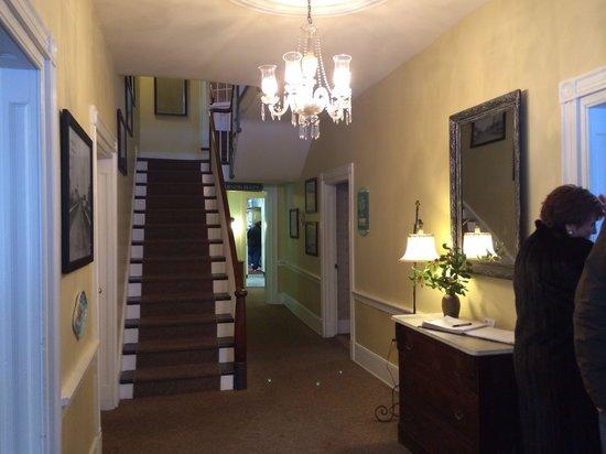 The Casselman Inn and Restaurant: Foyer
