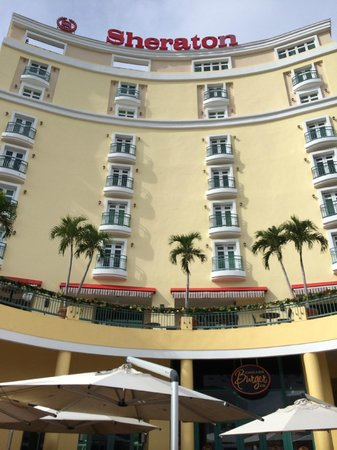 Sheraton Old San Juan Hotel : Front of hotel