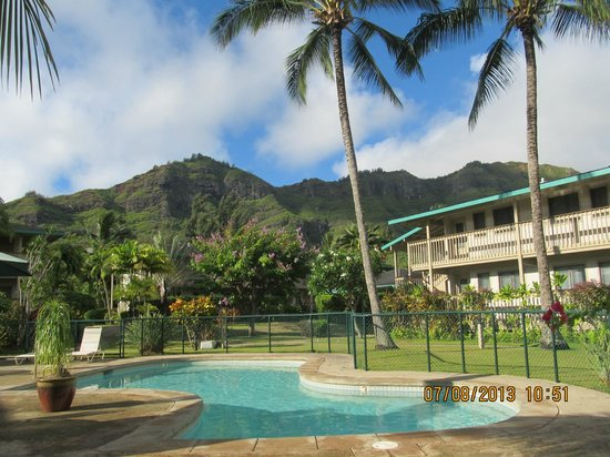 The Kauai Inn : hotel grounds