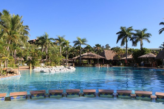 Outrigger Fiji Beach Resort 2017