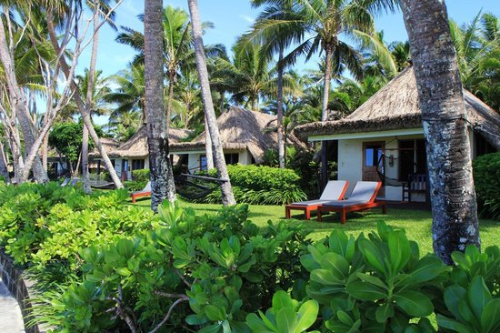 Outrigger Fiji Beach Resort: Fiji, Outrigger Resort 2013 - Beach Front Bure's