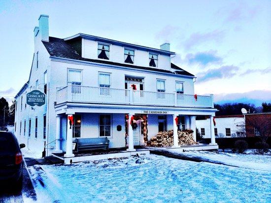 The Casselman Inn and Restaurant: Christmastime