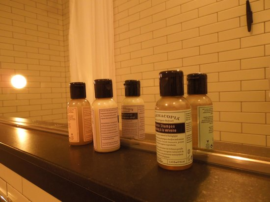 Pod 39 Hotel : Shampoo, Hidratante...