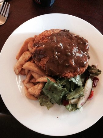 Macquarie Arms Hotel: $10 lunch Mon-Fri. Value +