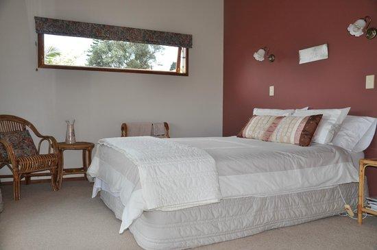 Harbinger House Bed and Breakfast: Terracotta Room