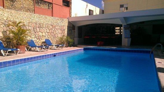 Don Antonio Aparta Hotel: pool / restaurant / bar