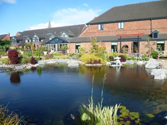 Grosvenor Pulford Hotel & Spa : Lovely gardens